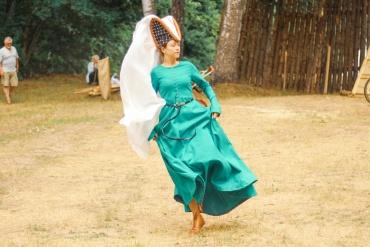 senoviniai šokiai pamokos internete